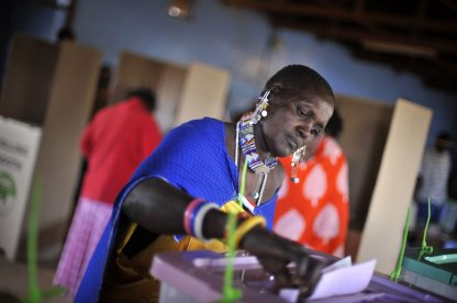 Woman voting, 2017 Kenyan elections
